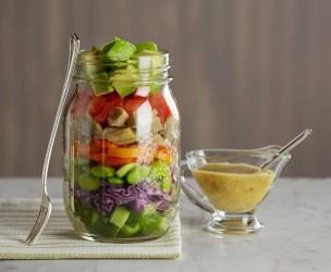 Delicious Guacamole Salad In a Jar